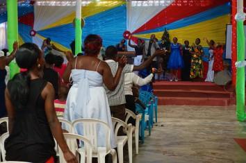 Lebhafte Stimmung im Gottesdienst