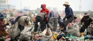 Arbeiter im Ausgangsprodukt (Credits: EcoAct)